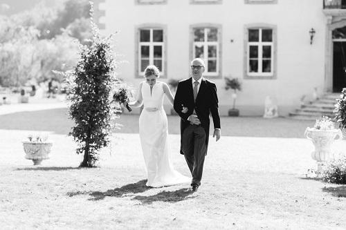 vader-geeft-bruid-weg
